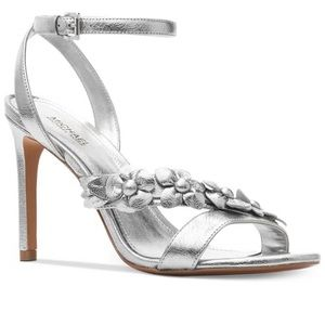 MICHAEL KORS Tricia silver sandals,5.5!GORGOUESS